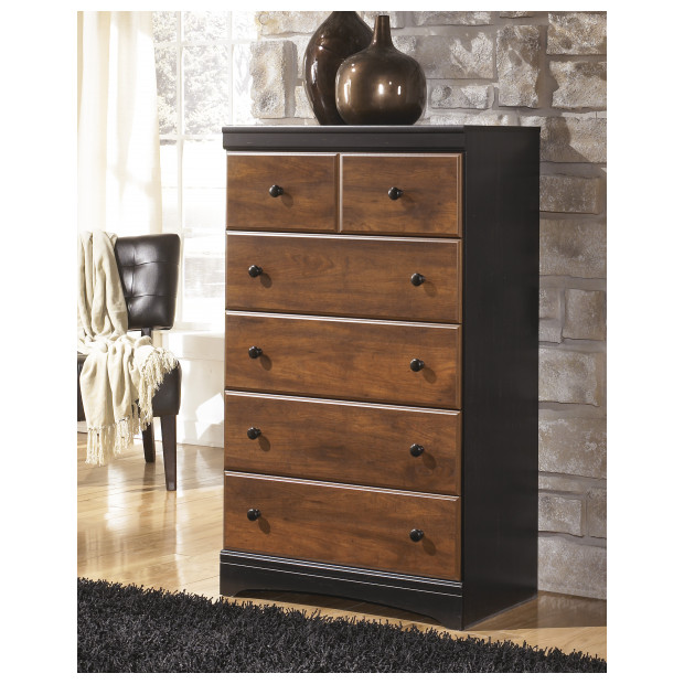 Ashley Furniture   B136-46