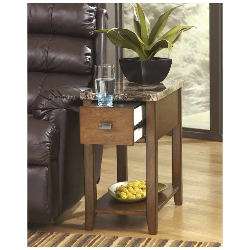 Ashley Furniture   T007-158