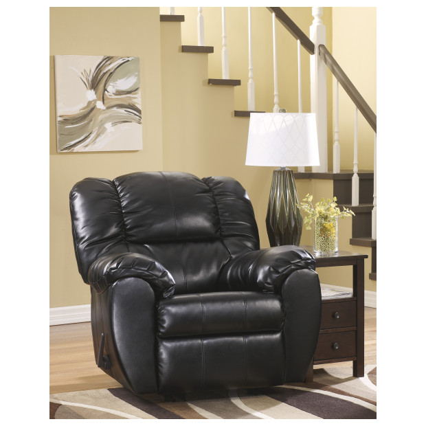 Ashley Furniture   7060425